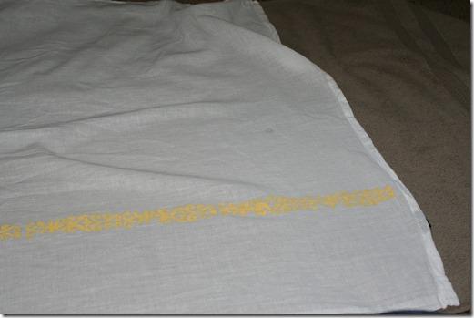 Stenciling Flour Sack Dish Towels (13)