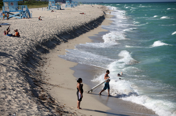 Erosion at Haulover Beach Park in Miami-Dade County. Photo: Angel Valentin / The New York Times