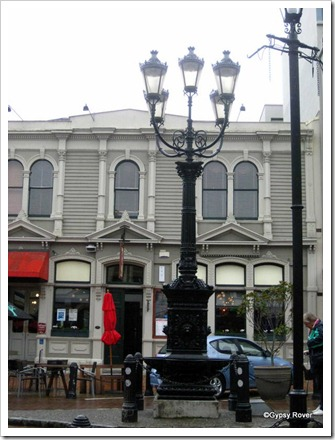 Symons Memorial gas lamp in Nelson CBD.