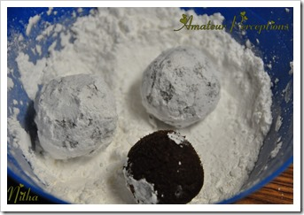 Chocolate Crinkle Cookies 5