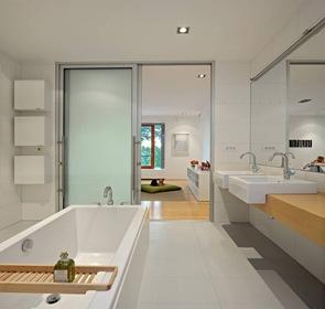 baño de diseño en blanco