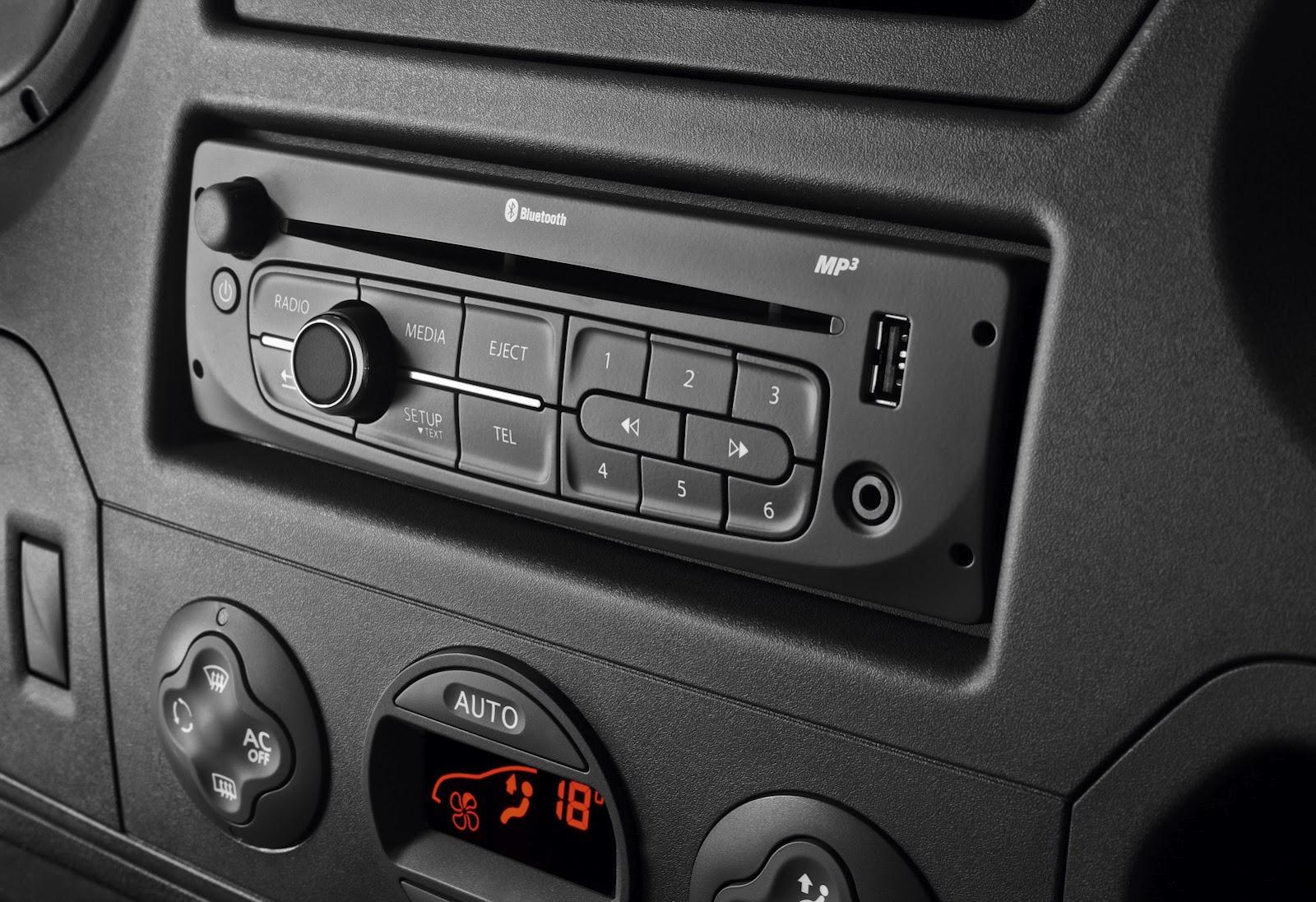 2012-Renault-Master-Van-2.jpg?imgmax=1800