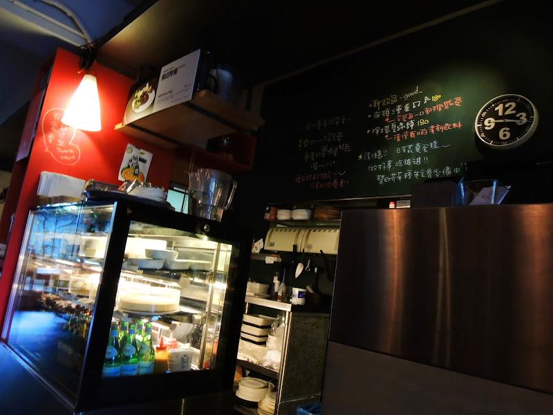 學校咖啡館 EcoleCafe' 蛋糕櫃.jpg