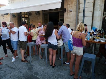 Echipa de cautatori de comori prin Limassol