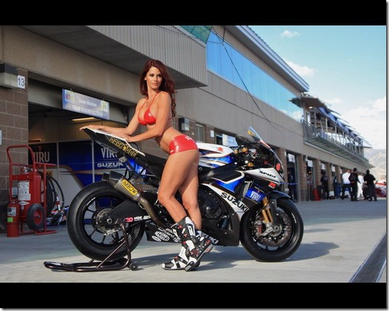Hot-Babes-With-Bikes-07