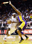 lebron james nba 130210 mia vs lal 02 LeBron Sets NBA Record of 6 Games with 30+ Points & 60+% FG