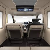2013-Toyota-JPN-Taxi-concept-09.jpg