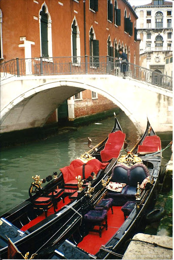 gondolas-en-venecia.jpg