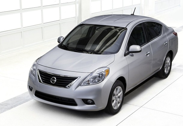 Nissan-Versa_Sedan_2012_1600x1200_wallpaper_02