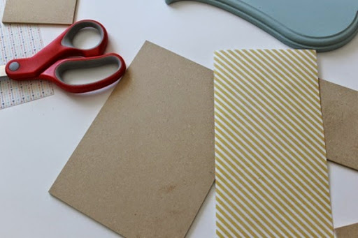 Ginger Snap Crafts DIY Jewelry Organizer tutorial