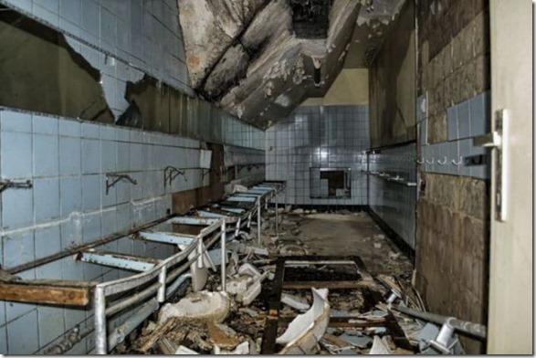abandoned-castle-belguim-28