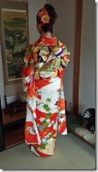 華やかな振袖で結婚式に (2)