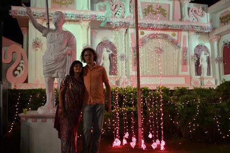 Doi romani la Bollywood Andrei si Cristina