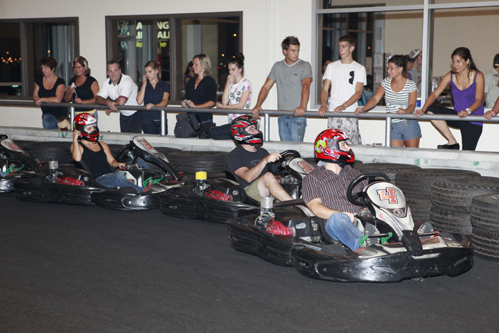 Best montreal go karting spots to go to with friends mtl for Go kart interieur montreal
