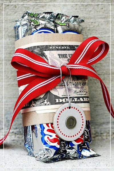 candy and cash gift at simply j studio