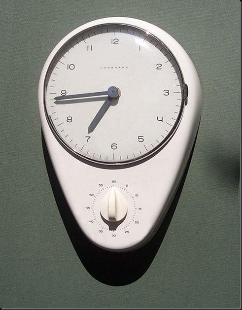 Max_Bill_Junghans_clock