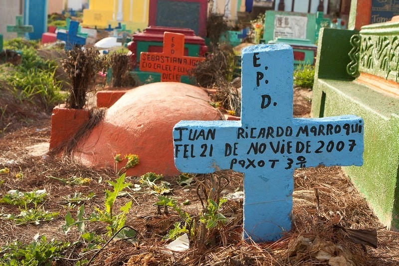 chichicastenango-cemetery-01