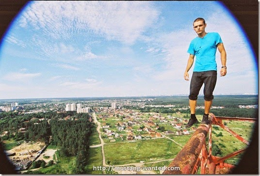 extreme-rooftopping-skywalking-photos-mustang-wanted-russia-19