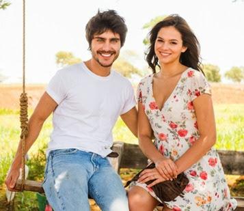 De acordo com jornal Bruna Marquezine e Guilherme Leicam estão ficando