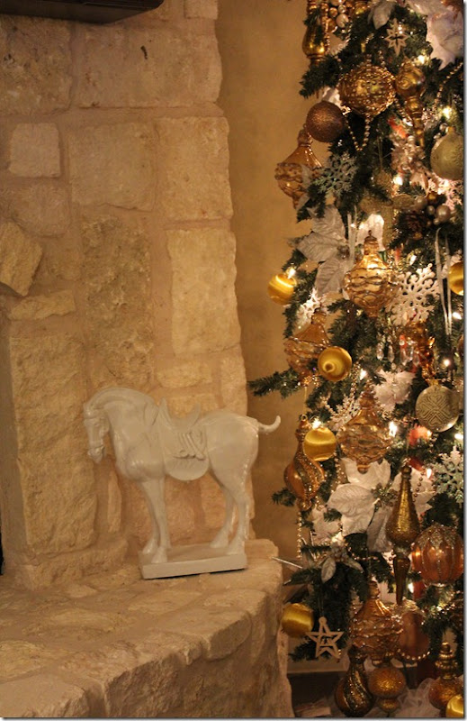 christmas tree and horse