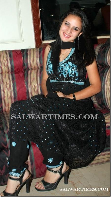 Caroline_Designer_Salwar_Kameez