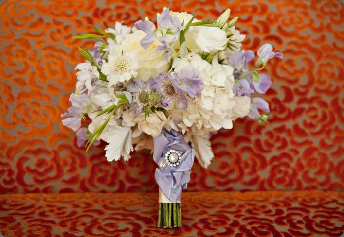 557409_10151357452248868_1376719675_n romance of flowers