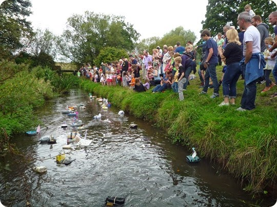 Childrens Model Boat Race