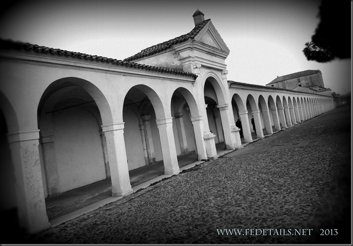 Il loggiato dei Cappuccini a Comacchio, Foto1 , Comacchio,Ferrara,EmiliaRomagna,Italia - The portico of the Capuchins in Comacchio, Photo 1, Comacchio, Ferrara, Emilia Romagna, Italy - Property and Copyrights of FEdetails.net
