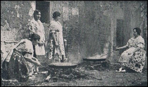 Preparando la paella. 1933