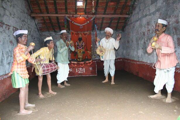 INDIA's Wax museum in KOLHAPUR capturing village life in India