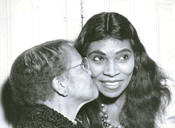 Marian Anderson posing with her mother on the occasion of her Metropolitan Opera début as Ulrica in Verdi's UN BALLO IN MASCHERA