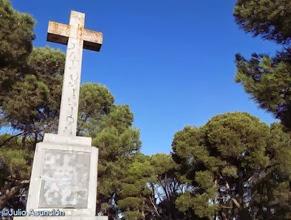 Cruz en lo alto del Cerro de Santa Lucía - Tafalla