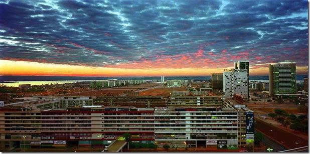 ROBERT POLIDORI. Brasília ao Amanhecer. Brasília