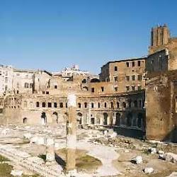 64 - Ruinas del Teatro Marcelo en Roma