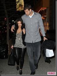 kim-kardashian-kris-humphries-nyc-4-435x580