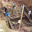 02 Fase di produzione, lavori di scavi per la diga accanto al fiume.JPG