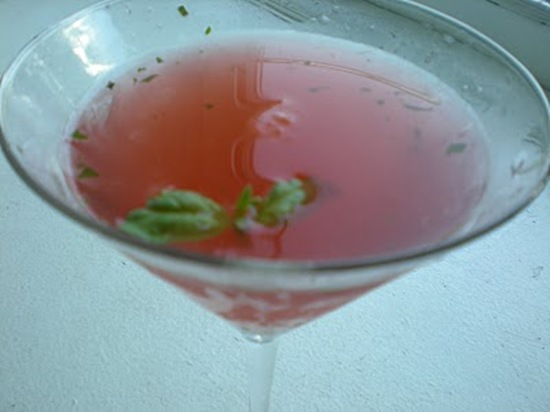 rasberry-basil-cocktail