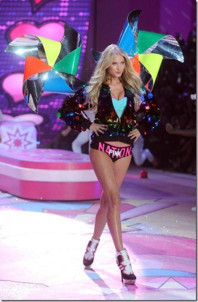 victorias-secrets-models-2012-47