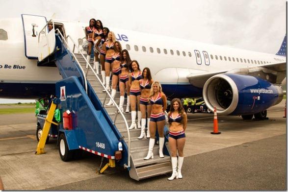 cheerleaders-swimsuits-calendar-39