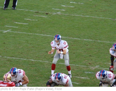 'Eli Manning in Shotgun Formation' photo (c) 2011, Rajiv Patel (Rajiv's View) - license: http://creativecommons.org/licenses/by-nd/2.0/