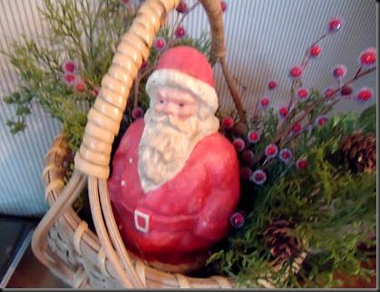 Santa in basket den