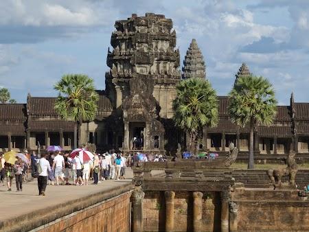 15. Ananas Angkor.JPG