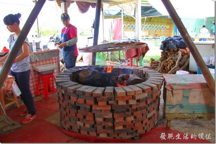 南投-天空之橋。這一攤是賣鹹山豬肉的。