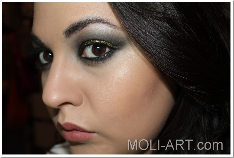 makeup-black-and-gold