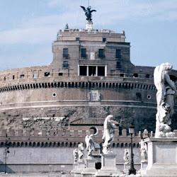 44.- Mausoleo de Adriano. Roma.