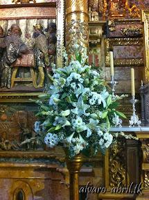 exorno-floral-para-boda-en-la-iglesia-de-sanra-maria-de-la-victoria-de-malaga-y-celñebración-(32).jpg