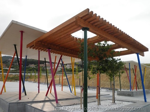 pergola-madera-laminada-detalle (6)
