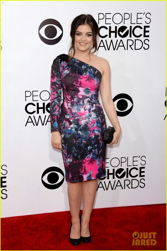 lucy-hale-peoples-choice-awards-2014-red-carpet-04