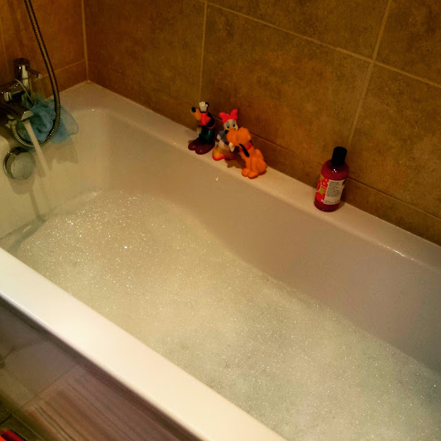 bubble bath, bloggers, blog post, nicki kinickie blog,
