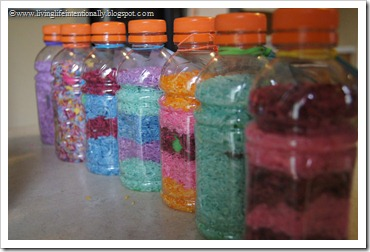 you can fill the bottle with any combination of colored rice you like